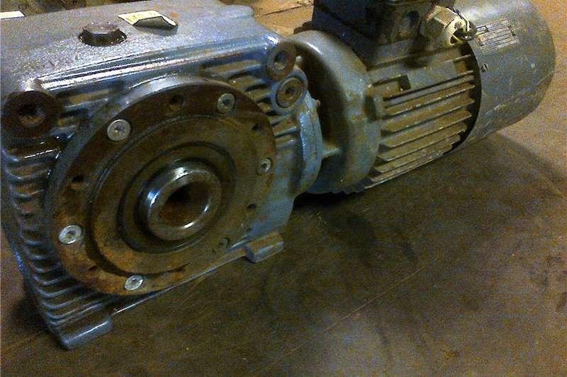 Electric motors / elektriese motors Electric motor & reduction gearbox