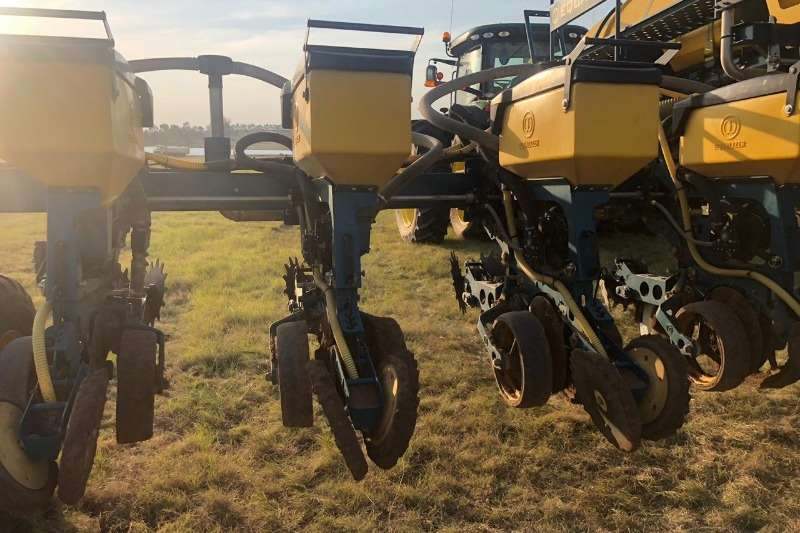 Equalizer Drawn planters Equalizer 12/914 Widespan Planting and seeding