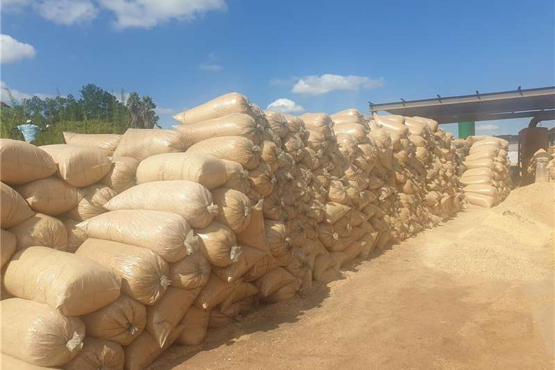 Bedding & blankets Shavings for horses and chickens direct from the s Equestrian