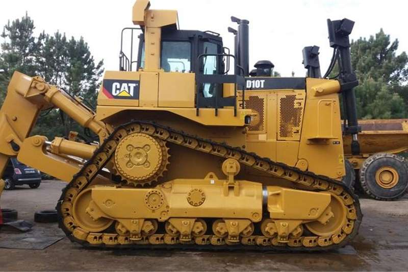Farming CAT D10T with Ripper and Blade 2013