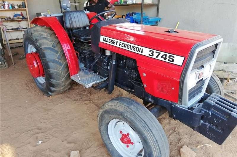 Farming Massey Ferguson 374 S