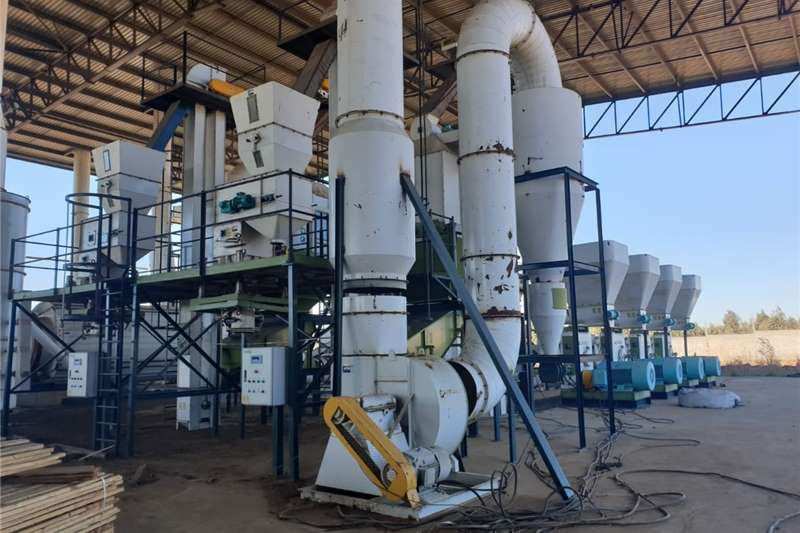 Feed mixers BIOMASS PELLET & WOOD CHIPPING PLANT