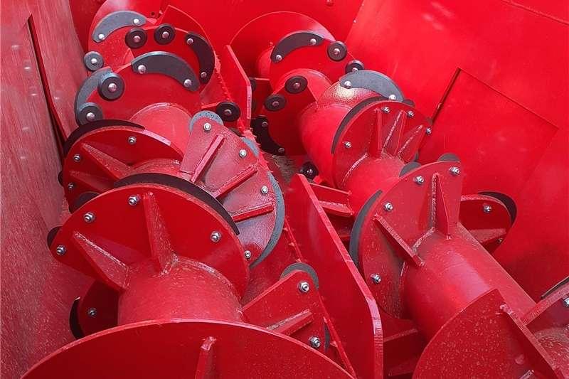 Horizontal feed mixers 8 CUBE Feedmixer Feed mixers