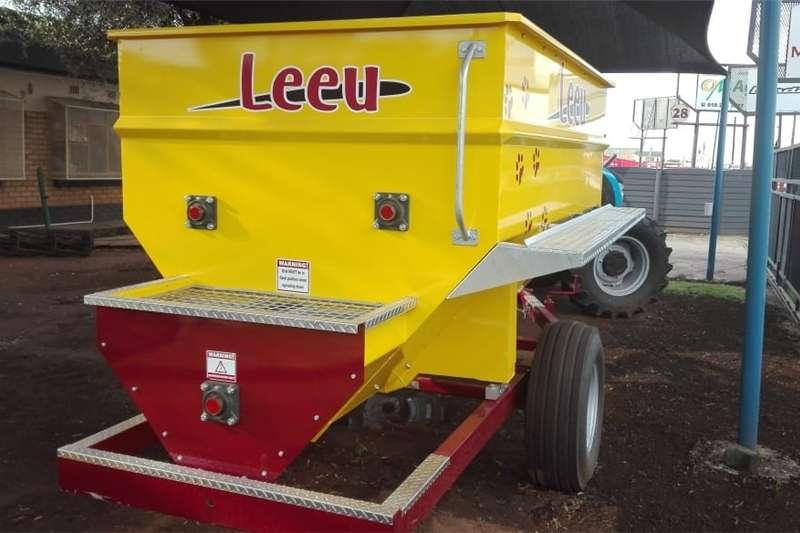Feed mixers Vertical feed mixers Leeu Feed Mixer