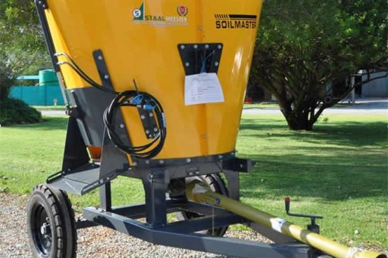 Feed Mixers Vertical Feed Mixers S3146 Yellow Soilmaster Vertical Feed Mixer 2 Cube
