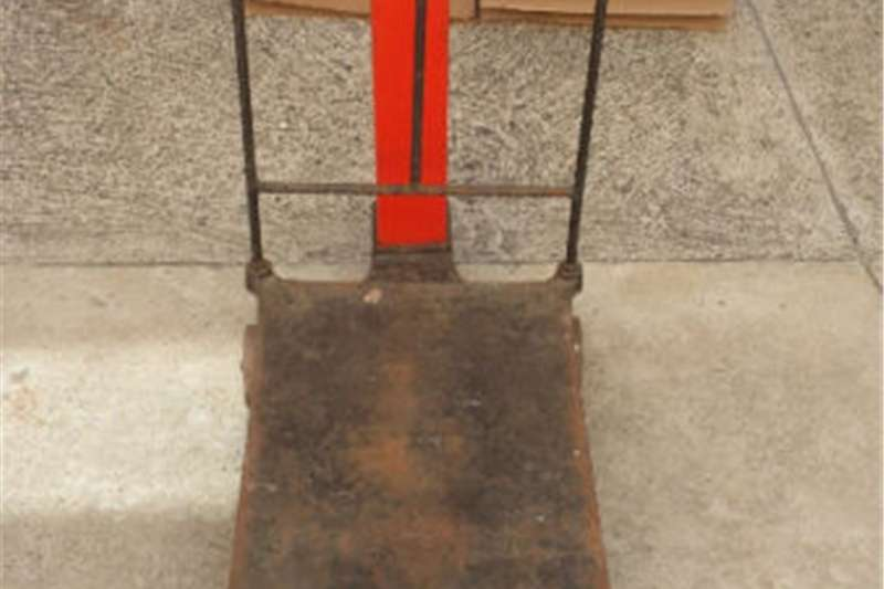 Feed wagons 250 kg old style platform scale