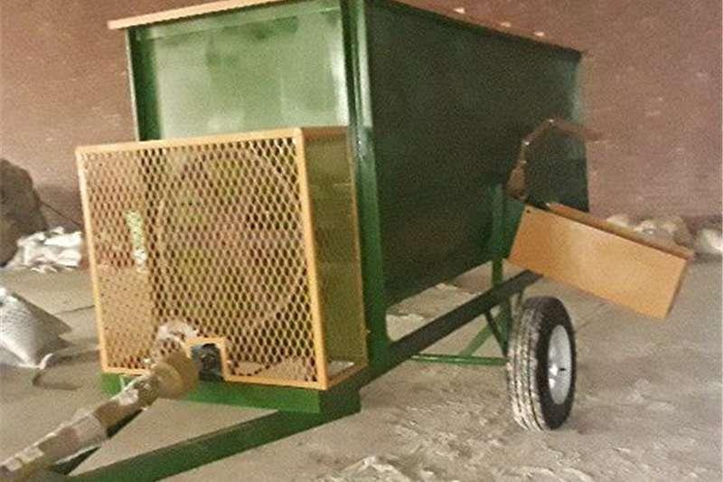 Feedmixers Feed wagons