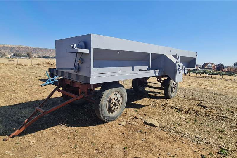 WA + Tapbak Feed wagons