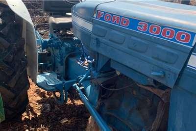 Ford 2WD tractors Ford 3000 (Enjin moet oorgedoen word) Tractors