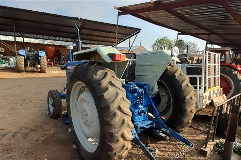 Ford 2WD tractors Ford 5000 Tractors