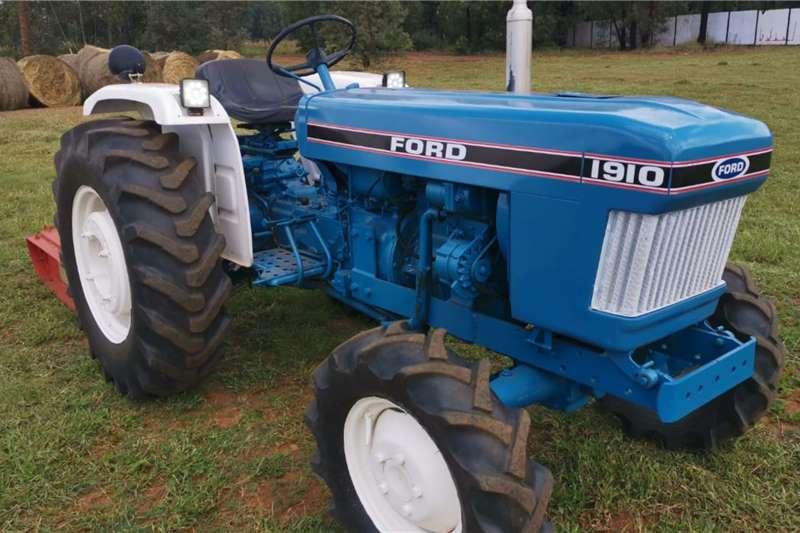 Ford Tractors 4WD Tractors