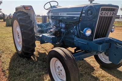 Ford 6600 Tractors