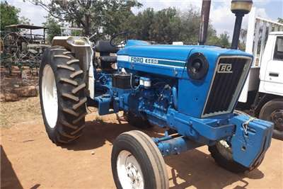 Ford Tractors FORD 6600 TRACTOR 2 X 4