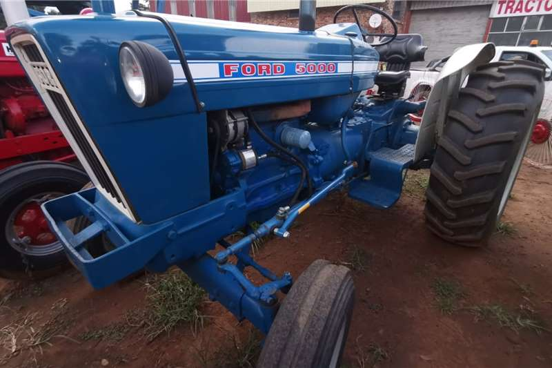 Ford Tractors Two wheel drive tractors 5000 1982