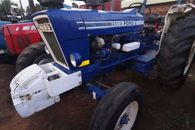 Ford Tractors Two wheel drive tractors 7600 1988