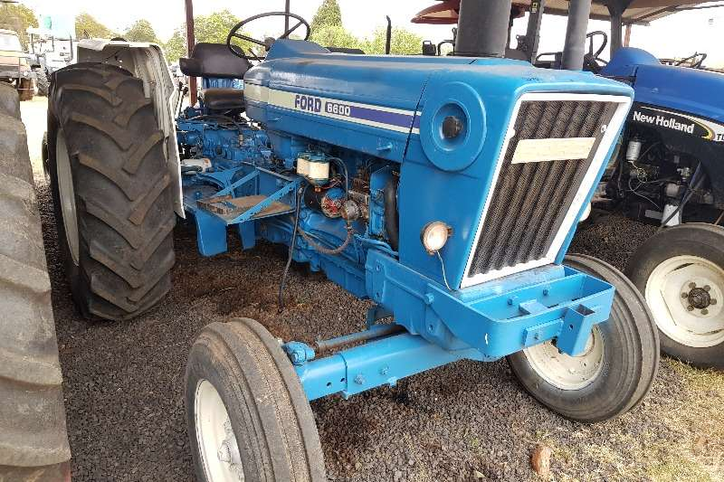 Ford Two wheel drive tractors Ford 6600 Tractors