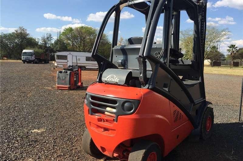 Forklift Linde 3 Ton H30T Pre Owned Forklift