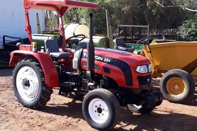 Foton Four wheel drive tractors FOTON 254 TRACTOR 4X4 Tractors
