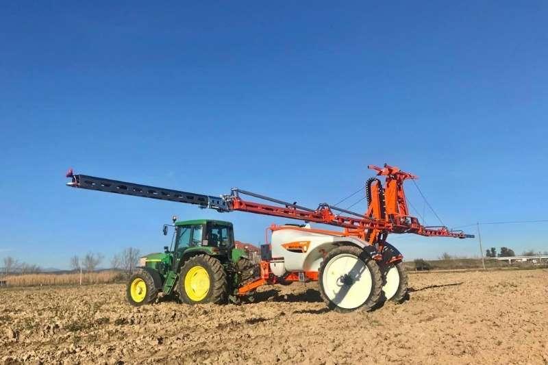 GAYSA Sprayers and spraying equipment Boom sprayers * NITRO Tractor Trailed Boom Sprayer *