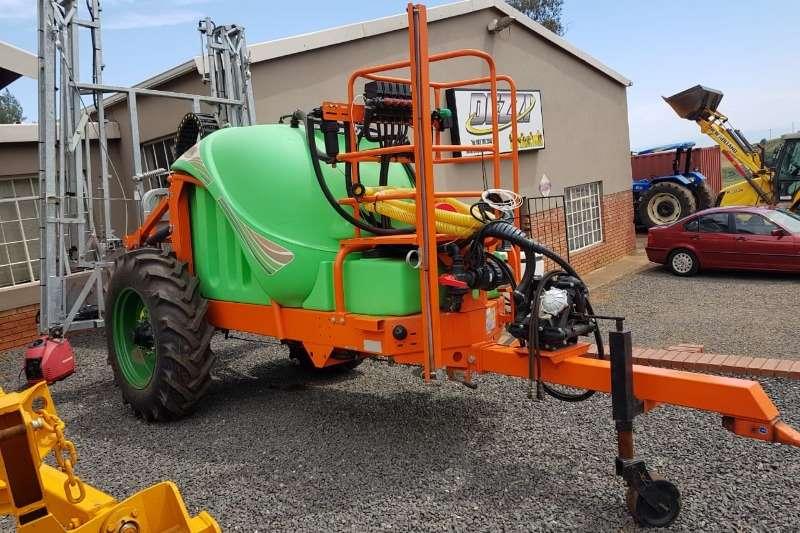 GAYSA Sprayers and spraying equipment Boom sprayers * TRONER Tractor Trailed Boom Sprayer *