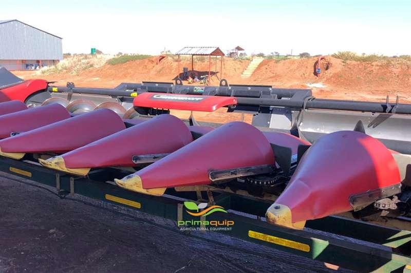 Geringhoff Harvesting equipment Grain headers Geringhoff MS 830 + Van Zyl Tafelkar 2016