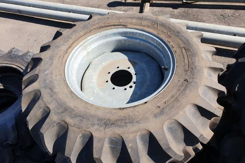 Goodyear Tyres 8 tyres avaiable 14.9 x 24 Agricultural tyres 2020