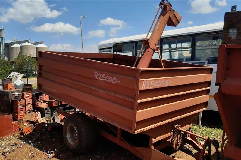 Graanland Feed wagons 5 TON TAP KAR TEKOOP