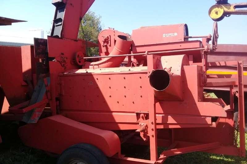 Graanland Harvesting equipment Dors Masjien 2011