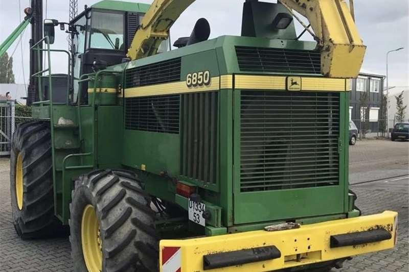 Forage harvesters John deere 6850 forager kerwer kuilvoer Harvesting equipment