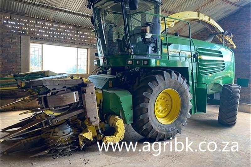 Forage harvesters John Deere 7550 Kerwer Harvesting equipment