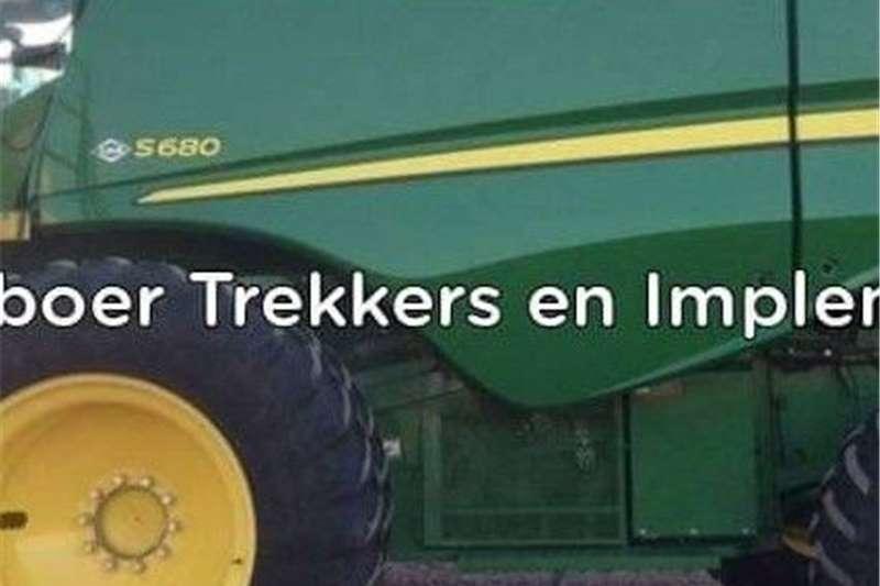 Forage harvesters John Deere S680 Stroper Harvesting equipment