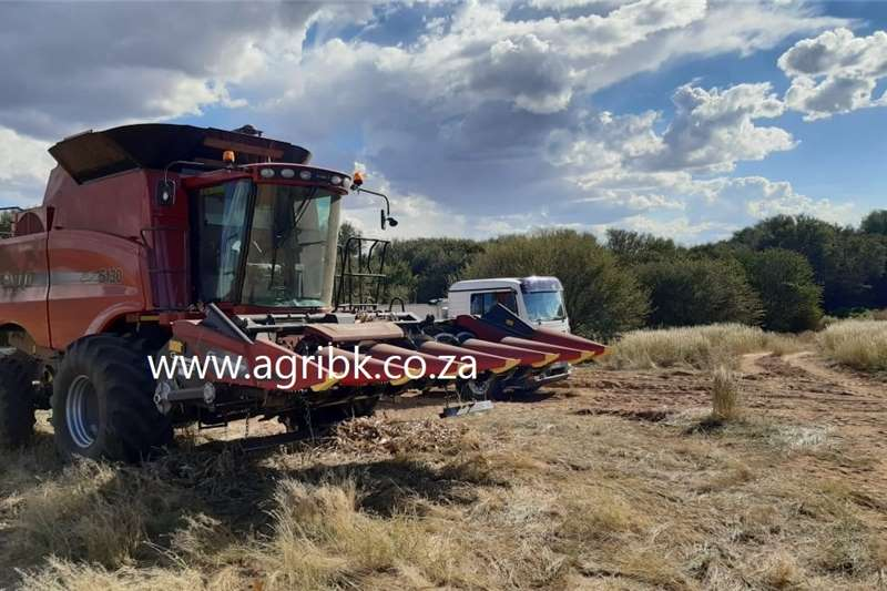 Grain harvesters Case IH 5130 Harvesting equipment