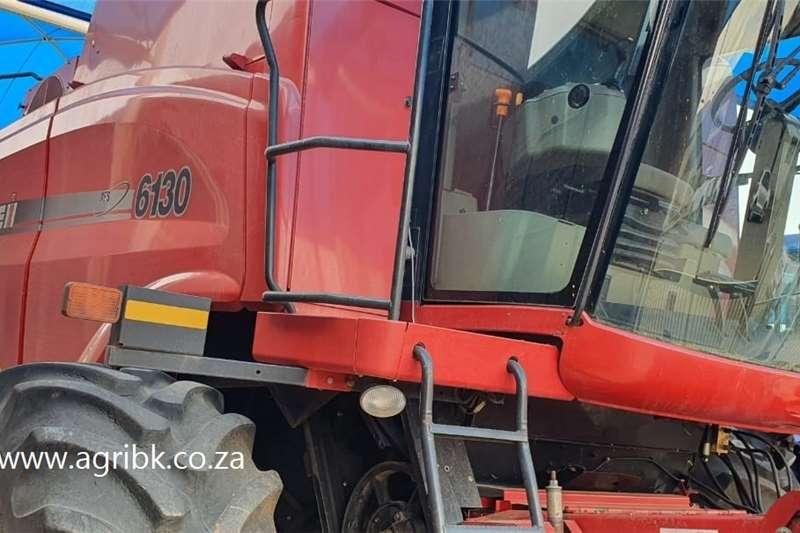 Grain harvesters Case IH 6130 Harvesting equipment
