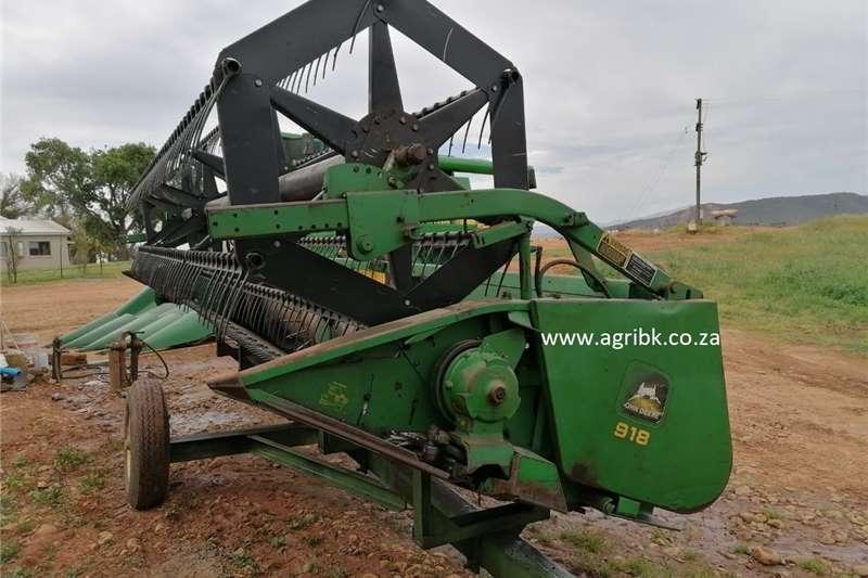 Grain harvesters John Deere 918 Harvesting equipment