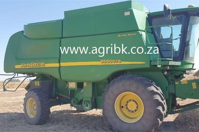 Grain harvesters John Deere 9560 STS Harvesting equipment
