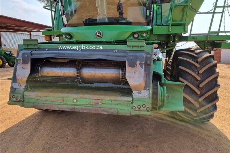 Grain harvesters John Deere S 660 Harvesting equipment