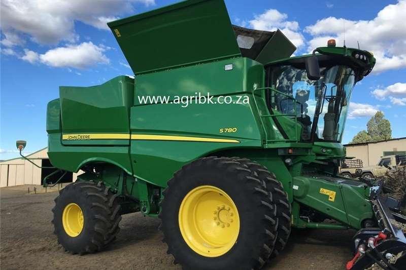 Grain harvesters John Deere S 780 Harvesting equipment