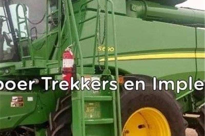 Grain harvesters John Deere S690 Stroper Harvesting equipment