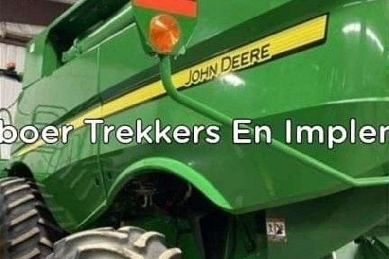 Grain harvesters John Deere s790 Stroper Harvesting equipment