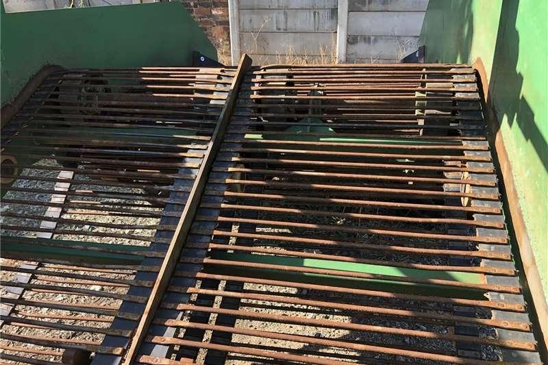 Potato harvesters Dormas 1500 potato harvester Harvesting equipment
