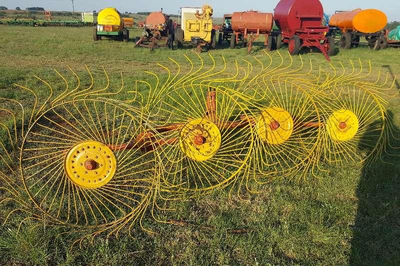 Hay and forage Rakes 4 tol Rake