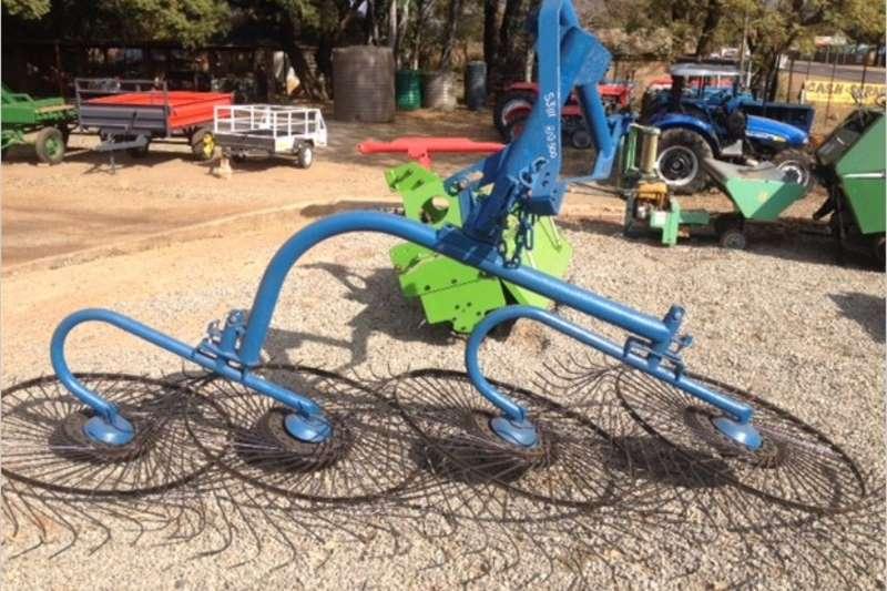 Hay and forage Rakes S3111 Blue U Make 4 Wheel Rake / 4 Wiel Hark Pre O