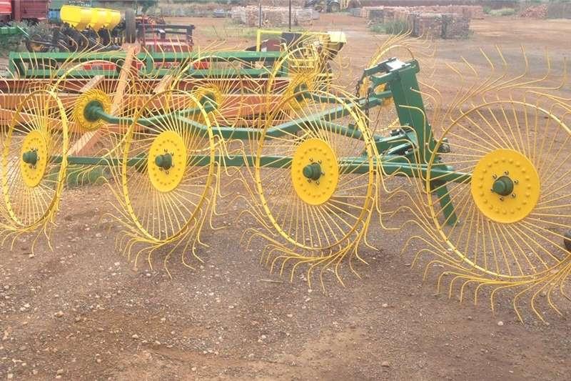 Hay and forage Rakes Vicon 8 Wheel V Rake /