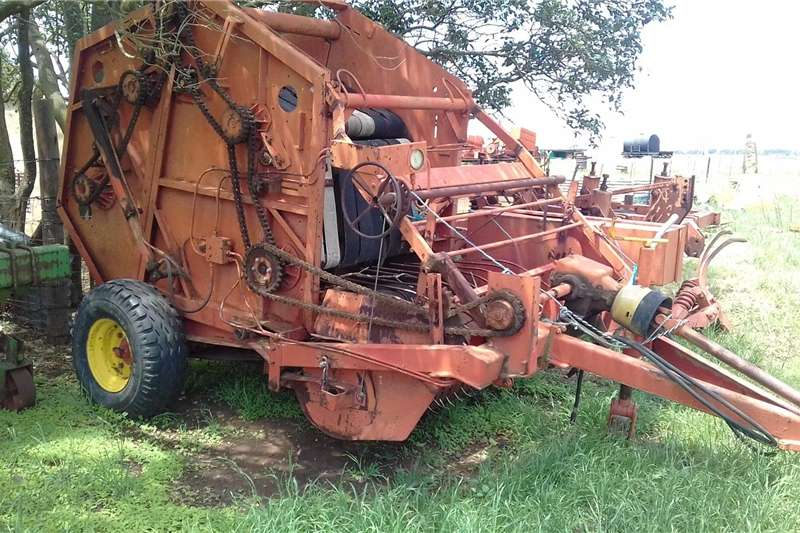 Haymaking and silage Bale handlers Baler