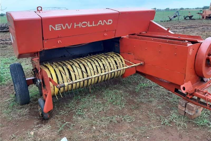 Bale handlers New Holland 276 Hayliner Baler Haymaking and silage