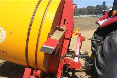 Bale shredders New Tomahawk Teagle 505M bale shredders Haymaking and silage