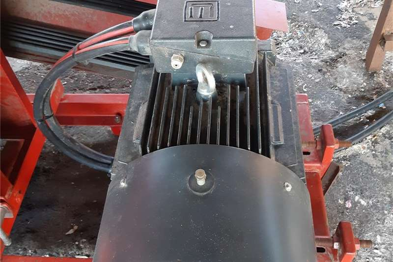 Hammer mills M24A Hammermill, 37kW Motor, Starter, Cable. 18mon Haymaking and silage