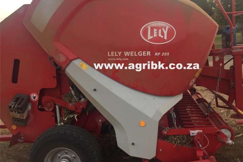 Round balers Lely Welger RP 205 Haymaking and silage