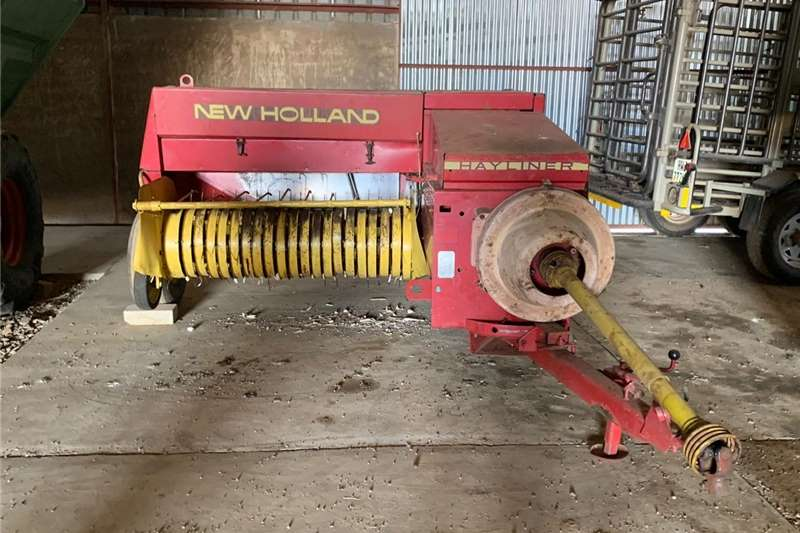 Square balers New Holland 370 Baler Haymaking and silage