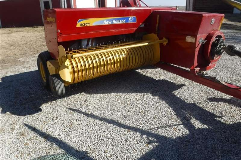 Square balers SUPER 68 & 69 HAYLINER small square baler Haymaking and silage